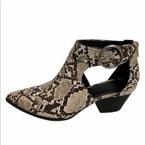 Quipid faux snakeskin pointy toe side cutout boot